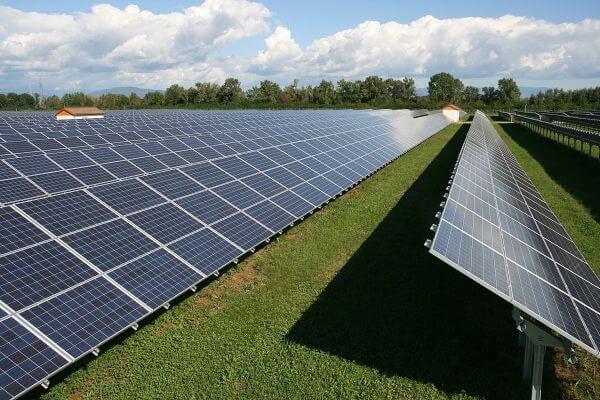 solar-panel-lightning-protection