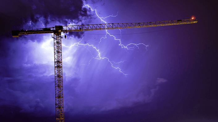 Crane system should be protected by lightning